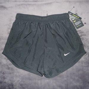 NWT Nike Dry Dri-Fit Tempo Run Shorts S